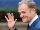 Donald Tusk prześmiewczo o zaprzysiężeniu Andrzeja Dudy: zgromadzeni powinni zachować powagę