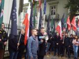 """""""Jeden naród ponad granicami"""". Młodzież Wszechpolska przeciwko dyskryminacji Polaków na Litwie [+video / +foto]"""