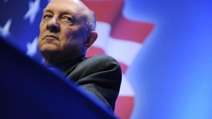 Dyrektor CIA: USA również mieszają się w demokratyczne wybory innych krajów