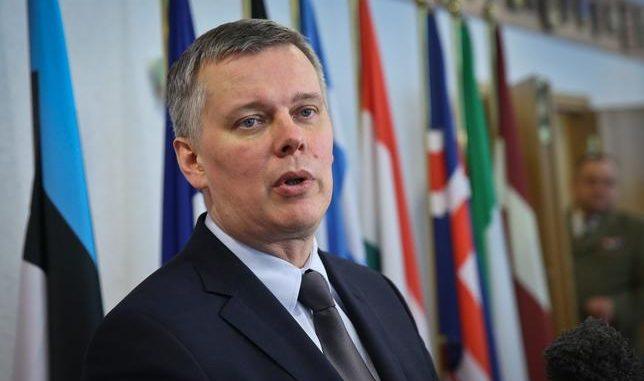 Siemoniak OSTRO skomentował słowa premiera. Uderzył też w Macierewicza