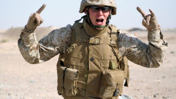 HORROR! Amerykański żołnierz udusił żonę i podciął sobie gardło. Zostawił wiadomość napisaną krwią