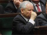 Prezes Kaczyński bardzo cierpi. Do lekarza jeździ aż do Łodzi!