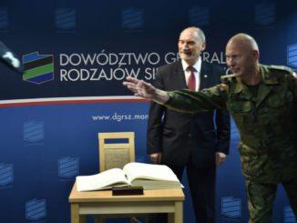 """""""Lech Kaczyński wyrzucił cię na śmietnik"""". Dziennikarka atakuje gen. Różańskiego. Ten odpowiada"""