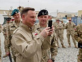 Żołnierze muszą kupić sobie mundury. Czy będą musieli sami kupować również broń