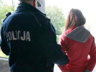Najpierw zwabiła kolegów, potem patrzyła jak są bici! 17-latka stanie przed sądem