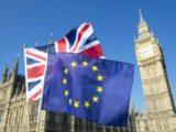 """""""Trzy proste pytania"""" i 65 funtów. Co trzeba zrobić, by zostać po Brexicie w Wielkiej Brytanii?"""