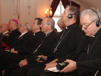 Biskupi z całej Europy obradowali jak przekonać do przyjmowania migrantów