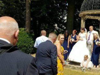 To ślubne zdjęcie stało się HITEM