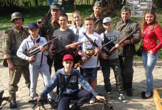 Kto zdenazyfikuje Ukrainę?