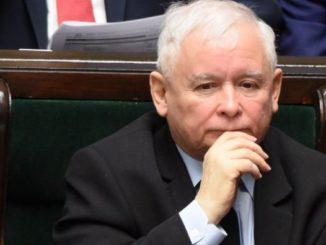 Zmiękczają prezesa PiS. O co chodzi?