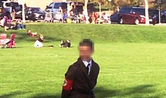 Nauczycielka przebrała synka za Hitlera na Halloween