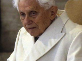 Papież Benedykt XVI nie żyje