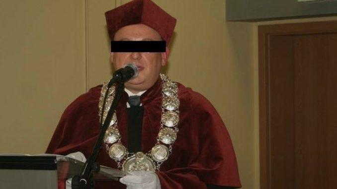 Znany naukowiec molestował studentów