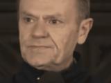 """Tusk oskarżony o """"lans na zwłokach przyjaciela"""". Wierzyć się nie chce"""