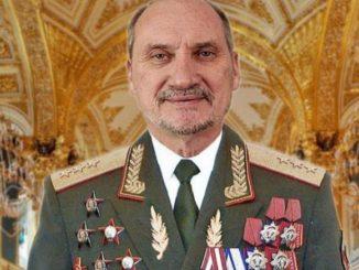 Macierewicz ujawnił wojskowe tajemnice