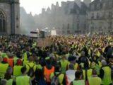 Macron zwariował! Uciekł z Paryża, a wojsko dostało pozwolenie na otworzenie ognia do tysięcy demonstrantów!