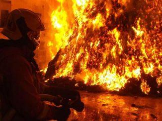 imigrant wywołał ogromny pożar