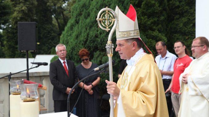 łamanie praw Polaków-katolików na Ukrainie