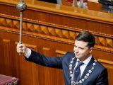 Prezydent Zełenski zaczyna od naruszenia konstytucji