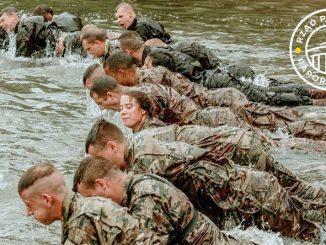 PiS w armii