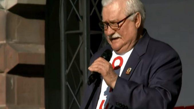 Wałęsa zarzuca marszałkowi