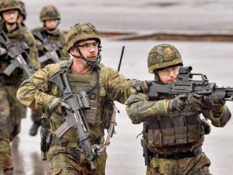 Z armii znika broń