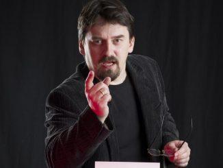 Pisarz walka z pedofilami