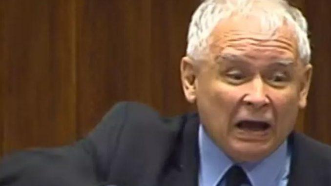 Głowa prezesa PiS na choince