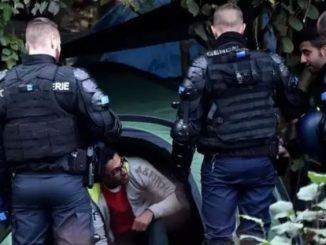 Francja 120 ataków nożem dziennie