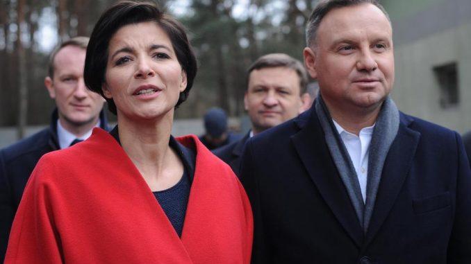 Prawa ręka Andrzeja Dudy