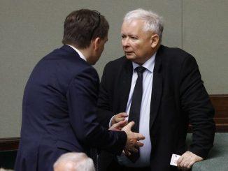 sondaż to cios dla Kaczyńskiego