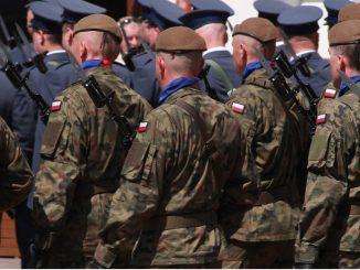Polacy będą zaciągnięci do wojska