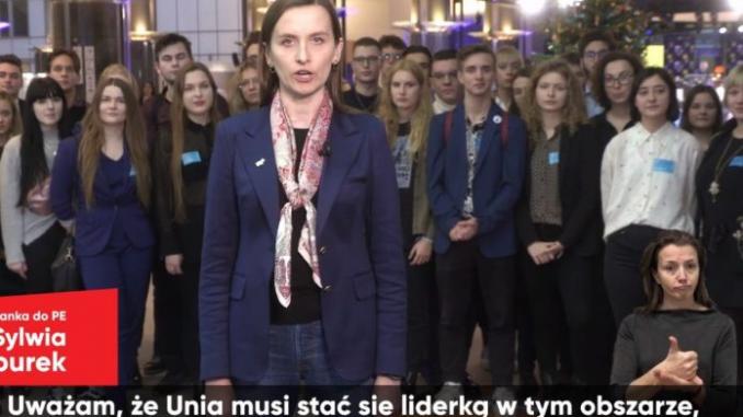 """Spurek chce zmusić Polskę do przyjmowania imigrantów. """"Liczę na refleksję ze strony rządu, zamiast narażania się na sankcje"""""""