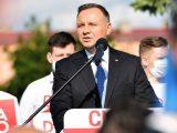 Sondaż: Duda utrzymuje przewagę, solidny wynik Trzaskowskiego