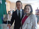 Sondażowe wyniki: wyborcy Krzysztofa Bosaka poparli zarówno Dudę, jak i Trzaskowskiego