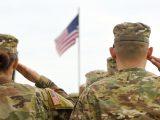 """USA nie chcą wyjść na """"frajerów"""". Więc za gościnę ich żołnierzy w większości zapłaci Polska"""