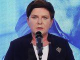 """Beata Szydło atakuje Komisję Europejską i pyta o """"profanację polskich symboli"""""""