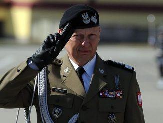 Były dowódca sił zbrojnych apeluje do premiera