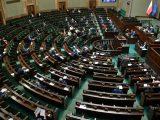 Pięć ugrupowań w Sejmie. Najnowszy sondaż CBOS
