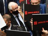 Sondaż Kantar: Spadek poparcia dla PiS. Rośnie wynik ruchu Hołowni