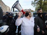 """Czy policja będzie wyłapywać organizatorki protestów? """"Żeby było jasne, te zgromadzenia są nielegalne"""""""