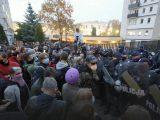 """""""Nie idziemy do roboty!"""". Znów tysiące protestujących na ulicach. Stanowisko Andrzeja Dudy. Ataki na demonstrantów"""