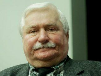 Wałęsa PUBLICZNIE upokarza Kaczyńskiego