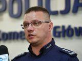 Rzecznik policji: Fotoreporterka celowo błysnęła fleszem w policjanta. Krytyka działań służb w sieci