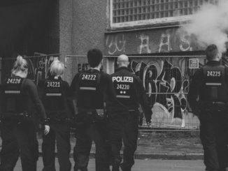 Niemcy o ekstremistach w policji