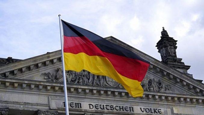 Prawica zaprosiła ZWYKŁYCH LUDZI do parlamentu. Niemieckie elity w FURIIPrawica zaprosiła ZWYKŁYCH LUDZI do parlamentu. Niemieckie elity w FURII