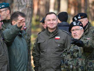 PiSowski rząd kupuje drogi amerykański złom i niszczy polski przemysł obronny