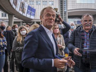 """Tusk w """"Newsweeku"""" o Kaczyńskim: Do szpiku kości antyeuropejski w sensie kulturowym"""