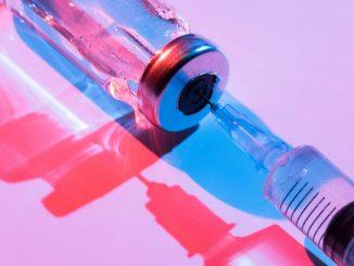 Szczepionka na koronawirusa. Ujawniają się KOLEJNE PRZECIWSKAZANIA