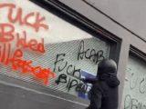 USA: Antifa zaatakowała lokal Partii Demokratycznej w Portland [ VIDEO]